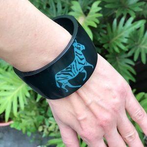 Jewelry - Dark green bangle bracelet